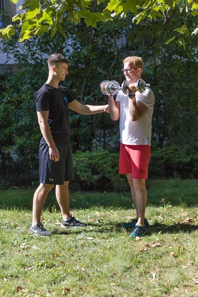 Personal Trainer Dresden Lukas Hamberger Training Zuhause Büro1